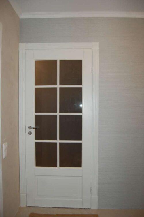 inskie-belie-osteklunnie-dveri