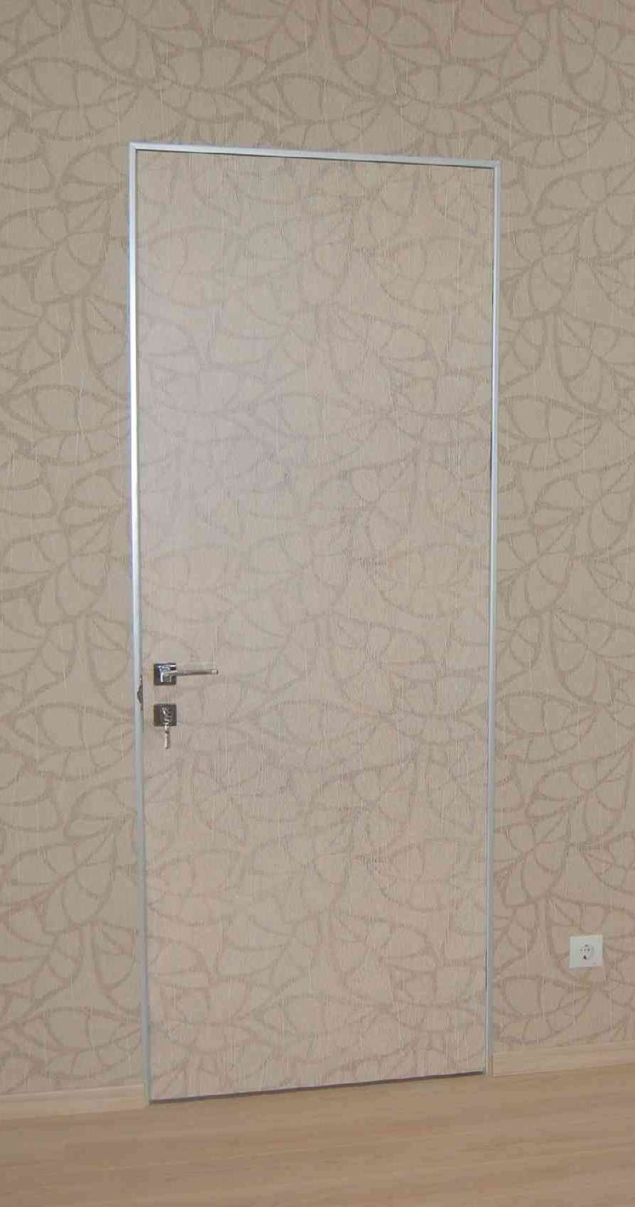 Скрытые двери под обои
