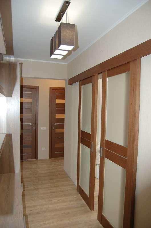 двери в зал