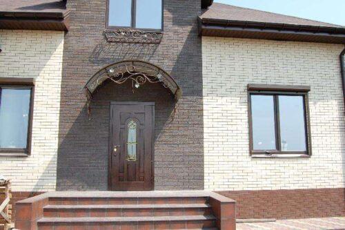 Двери входные в дом