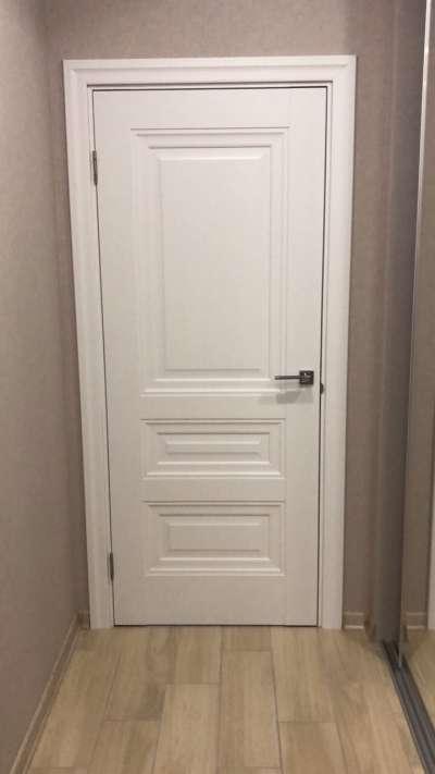 dveri-noviy-stil-status-beliy-gluhoy