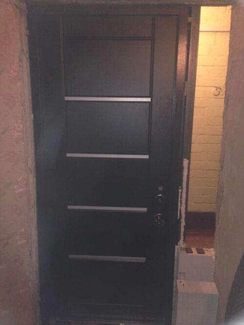 двери в наличии с моттурой