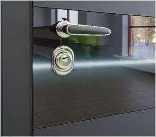 Входная дверь стекло