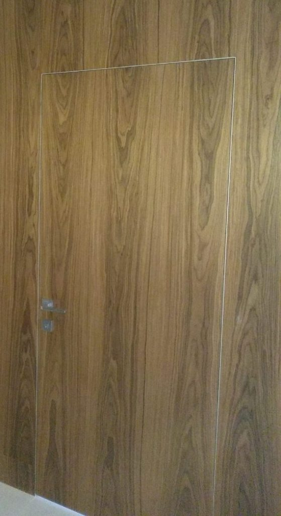 Стеновые панели с дверями невидимка