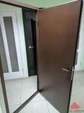 Наружные технические двери коричневые кррашенные