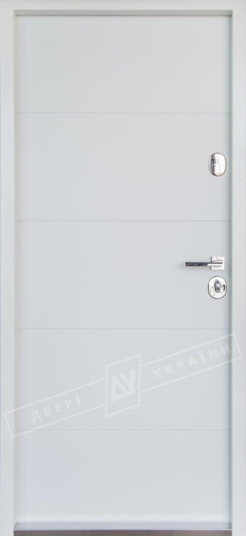 Белые входные двери-накладки